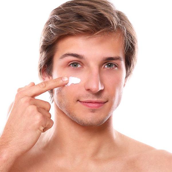 Dưỡng ẩm cho da là bước vô cùng quan trọng khi skincare