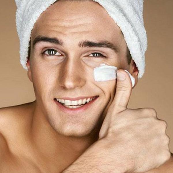 Sử dụng kem dưỡng ẩm cho nam đúng cách sẽ giúp bạn có một làn da khỏe mạnh